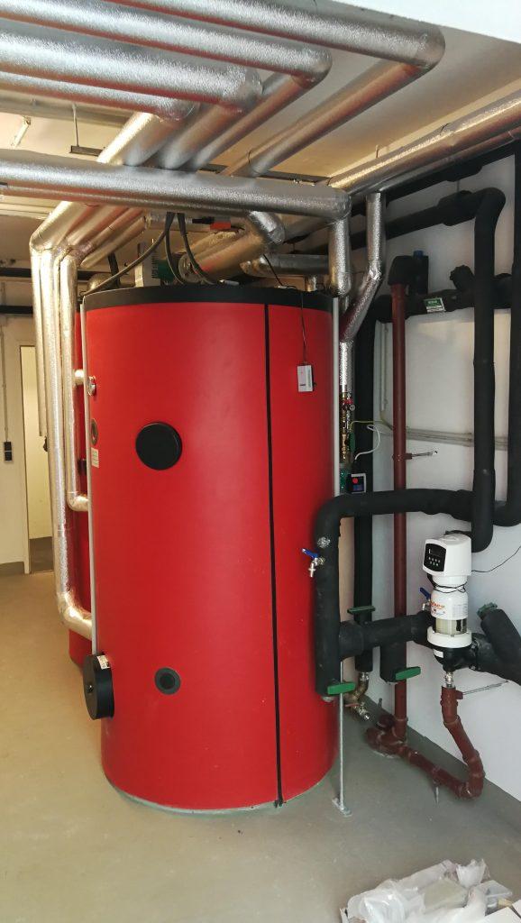 Heizbaer-grünes-Wohnen-in-Raach-Warmwasserspeicher
