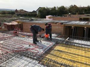 Heizbär Betoneinlegearbeiten auf den Decken für Wärmepumpe